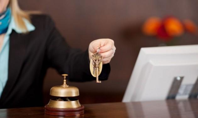 Ezek a TEÁOR-besorolású cégek kapnak bértámogatást a turizmusban (frissítve)
