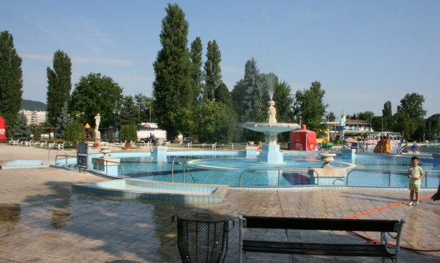 Hamarosan indul a szezon a budapesti strandokon