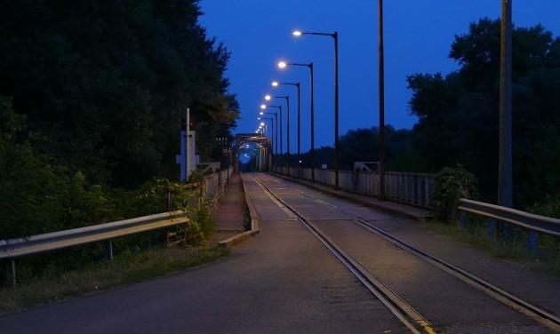 Másfél hónapra újra lezárják a kiskörei Tisza-hidat