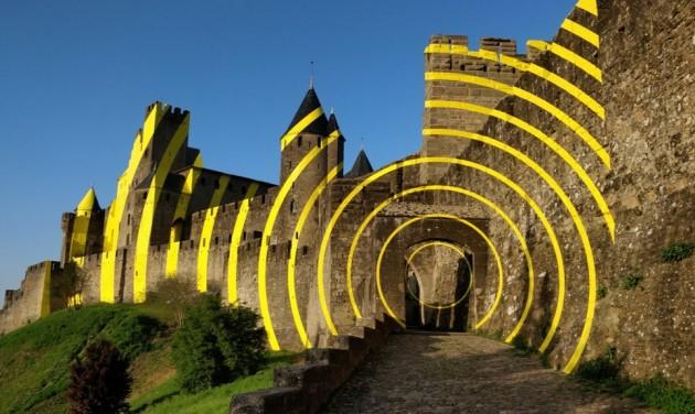 Sárga céltáblává vált a Carcassone-kastély