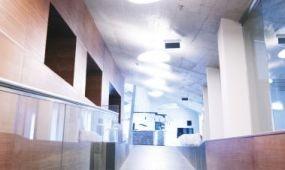 Ultramodern pálinkaház a Somló lábánál