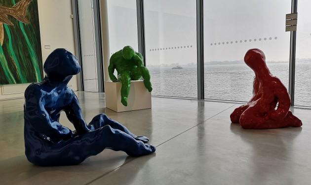 Baglyok kapafejből és 3D-s festmények Pozsony félszigetén