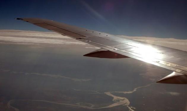 Ablak mellé vágynak a repülőn a magyarok
