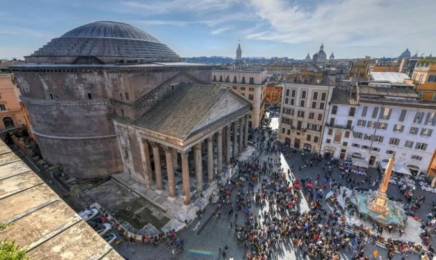 Az utcákon terítettek meg az olasz vendéglátósok tiltakozásul