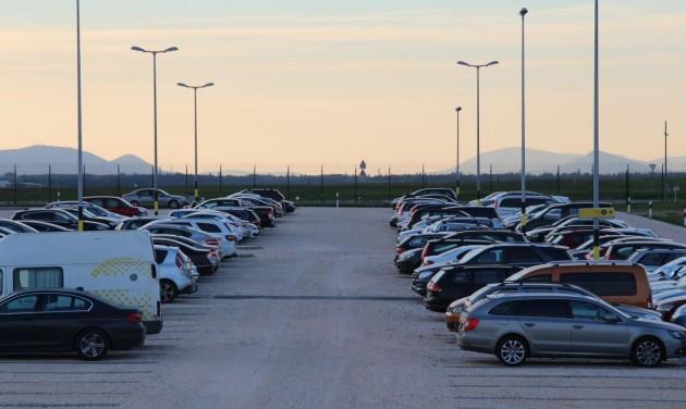 Egyre népszerűbb a repülőtéri parkolás