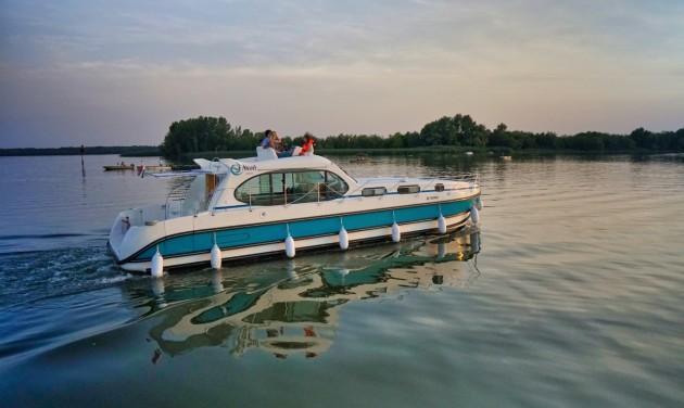 Májustól indul a tiszai nyaralóhajó-program