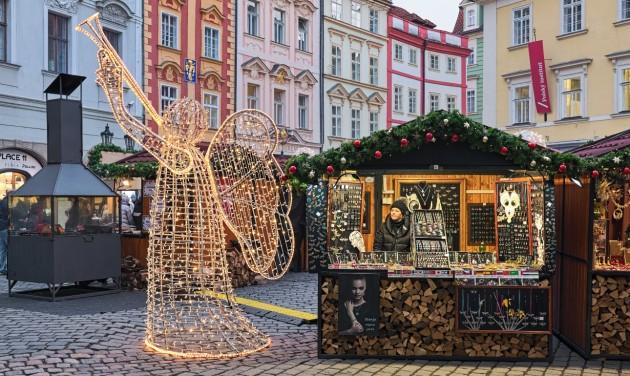 Csehország csütörtöktől enyhít az óvintézkedéseken