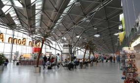 Biztonsági okokból leállították a forgalmat hétfőn a Köln-Bonn repülőtéren