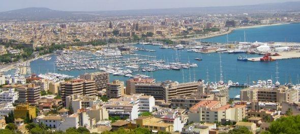 Palma de Mallorca megtiltotta az éjszakai alkoholárusítást több turistazónában