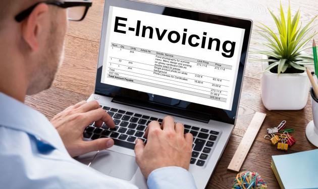 Július 1-ig nem kötelező az online számlarendszer átállítása