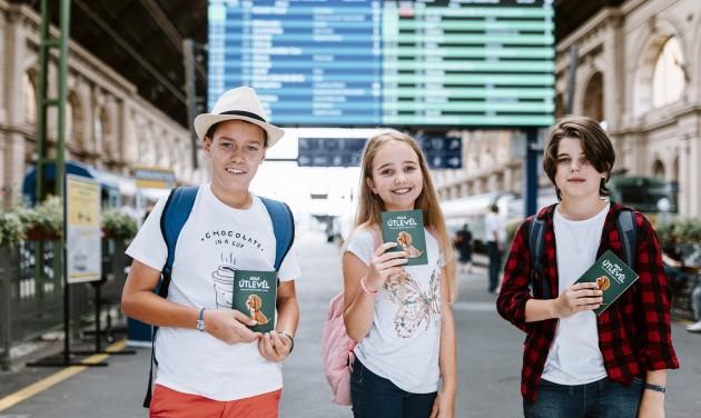 Hosszabbítás: augusztus végéig lehet utazni Kajla útlevéllel