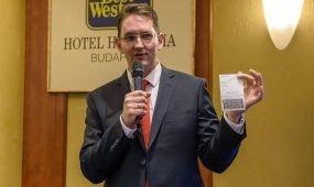 Bankkártyával is fizethetünk majd a magyar vonatokon
