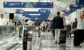 Nyilvántartásba vehetik a légi utasokat az EU-ban