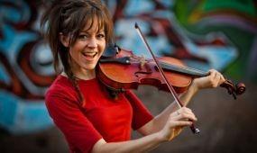 Lindsey Stirling amerikai hegedűvirtuóz ad koncertet Budapesten
