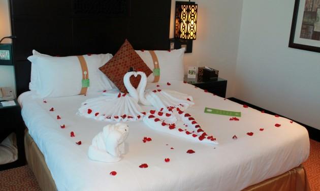 Szerelemmel fűtött hotelszobák Valentin-napkor