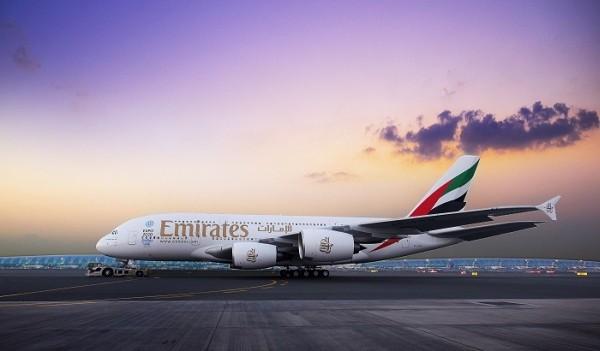 Újabb útvonalakon repülnek az Emirates A380-asai