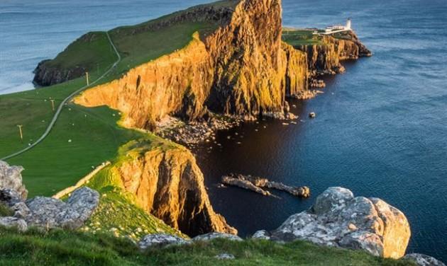 Turisták pusztítják a tengerpartot Skóciában