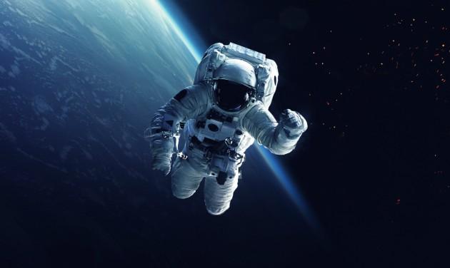 Négy turistát küldene az űrbe a SpaceX