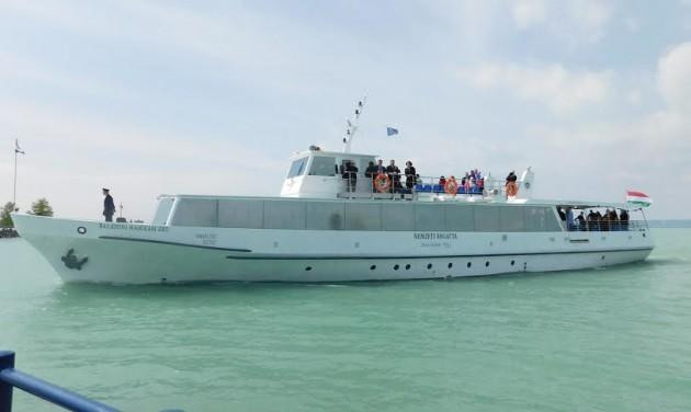 Új hajó és szezonnyitó a Balatonon