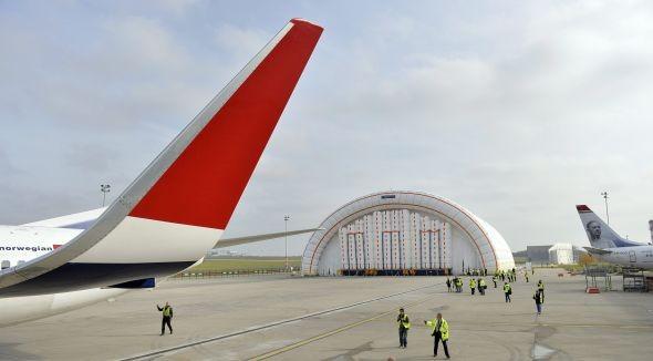 Felfújható hangár a budapesti repülőtéren