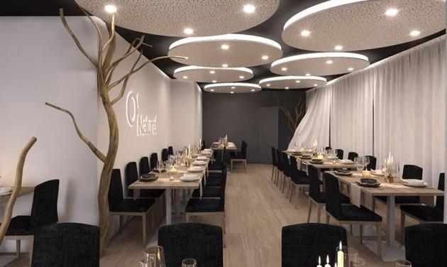 Nagy sikere van a párizsi nudista étteremnek