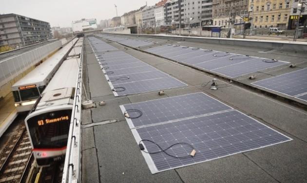 Napelemes metróállomás Bécsben