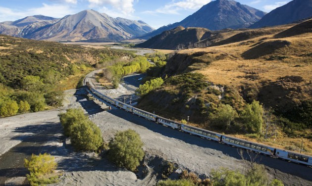 Új-Zéland sínen, vízen, levegőben