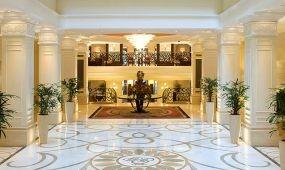 Filmes csomagok, Grand Budapest Hotel módra