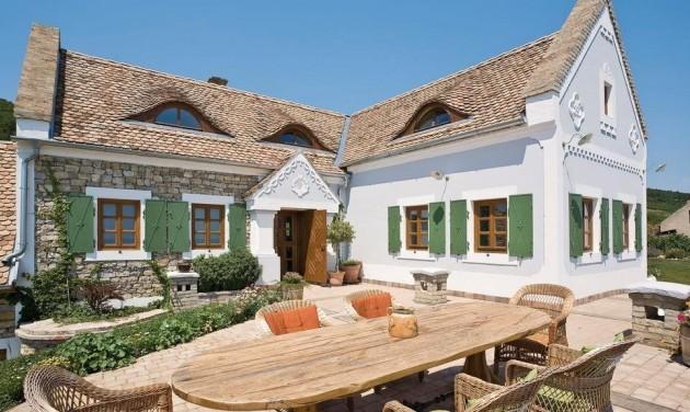 Keresik a Balaton legszebb házát