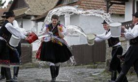 Palóc gasztronómia a Hollókői Húsvéti fesztiválon - április 4-6.