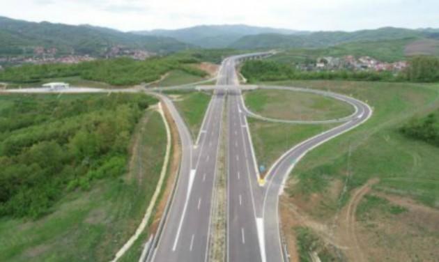 Kulcsfontosságú útszakaszt adnak át Szerbiában