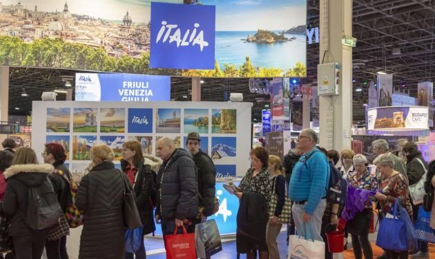 Olaszország és Eger a CheckINN konferenciáján