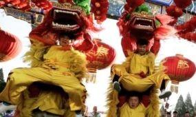 Takarékosabb tűzijátékkal köszöntötte Peking a majom évét