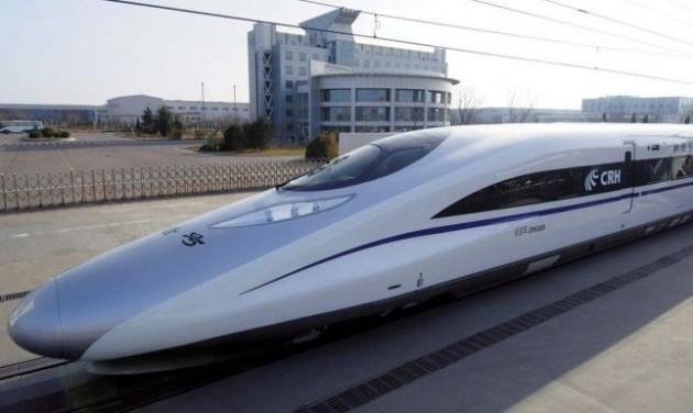 Kínában többezer kilométer nagysebességű vasút épül
