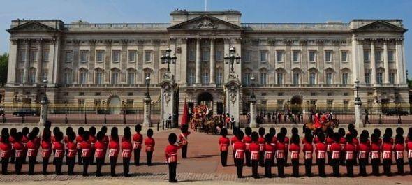 A királyi vendéglátásból kaphatnak ízelítőt a Buckingham-palota látogatói