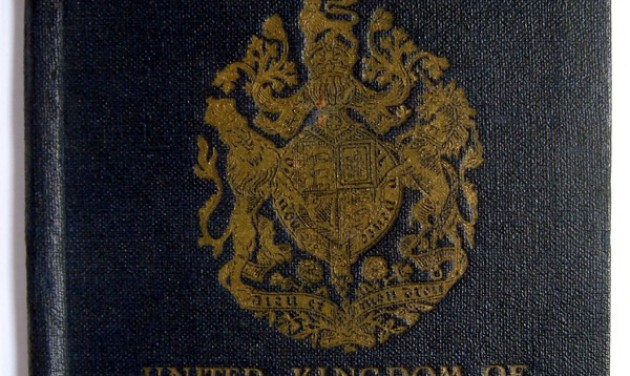 Újra kék lesz a brit útlevél