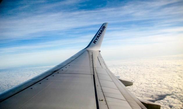 Jelentősen nőtt a globális légi áru- és utasforgalom augusztusban