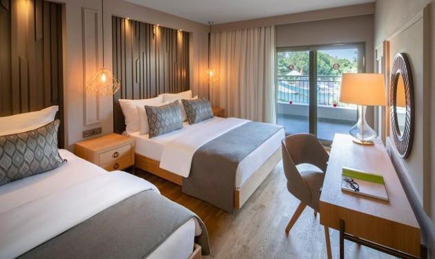 A napfény ölelése a törökországi Barut hotelekben
