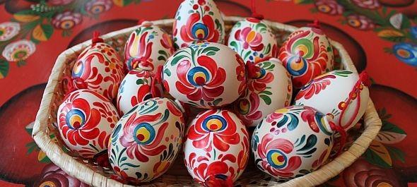 Ahol még a piros tojás is matyó