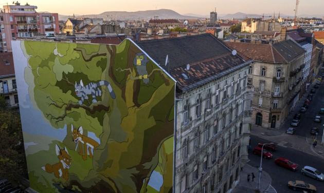 Vukot festették egy józsefvárosi ház tűzfalára