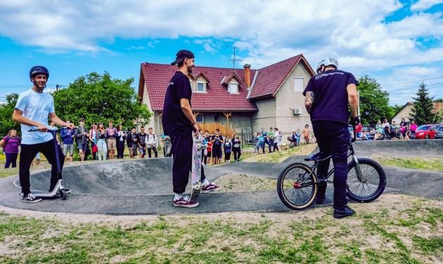 Szórakozás közben fejleszthetik kerékpáros technikájukat a lakitelkiek