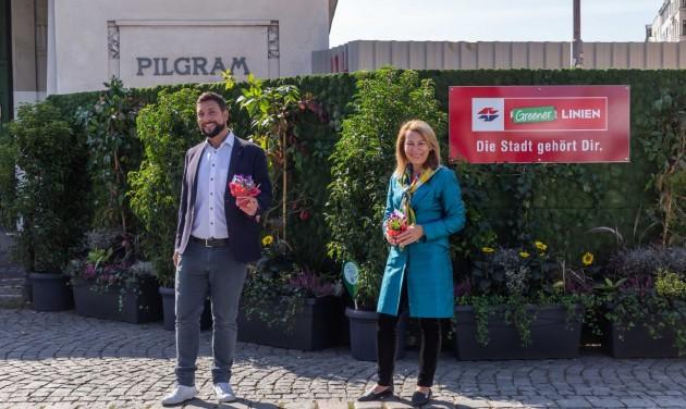 Zöldfallá változtatták a metróépítés kerítését Bécsben