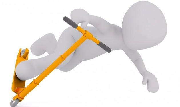 Franciaország KRESZ-ben szabályozza az e-rollerek használatát
