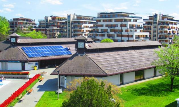 Napelemmel spórol energiát két fővárosi fürdő