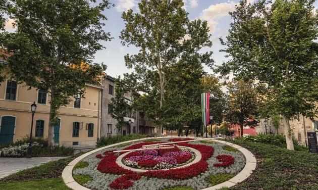 A lakosoknak is bemutatják Székesfehérvár tematikus sétaútjait