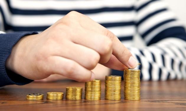 Már több mint 140 ezer munkavállaló után igényelték az ágazati bértámogatást