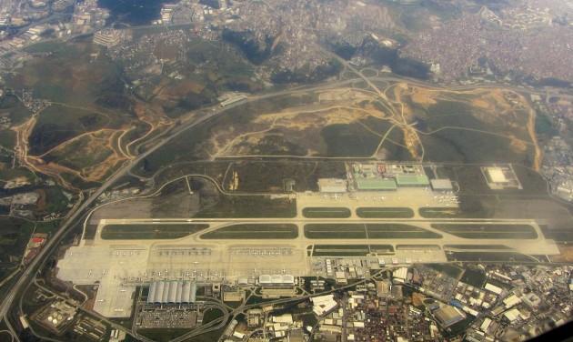 Baleset az isztambuli reptéren – három halott, sok sérült