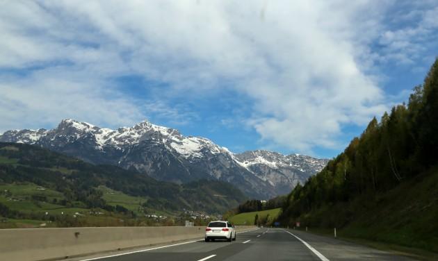 Magyarországról továbbra is korlátozás nélkül lehet Ausztriába utazni