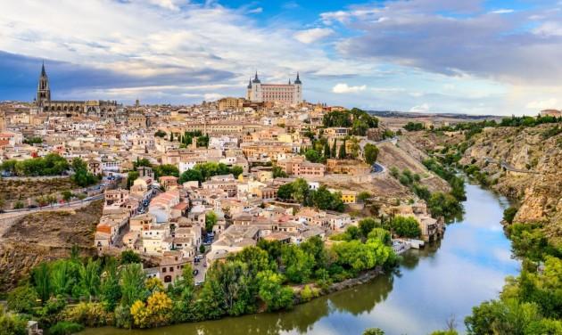 Június 7-től az oltottak szabadon utazhatnak Spanyolországba