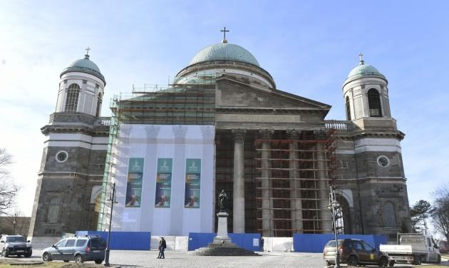 Megújul az esztergomi bazilika külseje